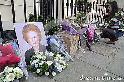 Tribute zum ex britischen Hauptmünster Margret Thatcher Who Died L Redaktionelles Foto