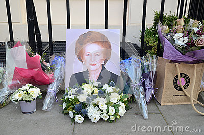 Tributi ad ex Minster principale britannico Margret Thatcher Who Died L Immagine Editoriale