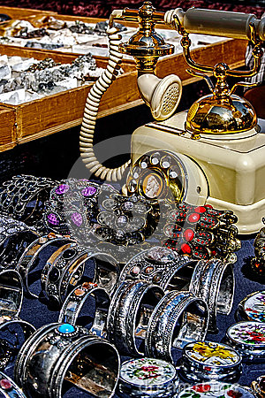 Trinkets, jewelry and antiques