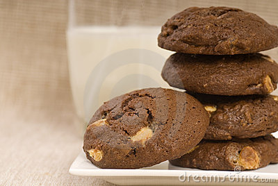 Triple chocolate chip cookies with milk