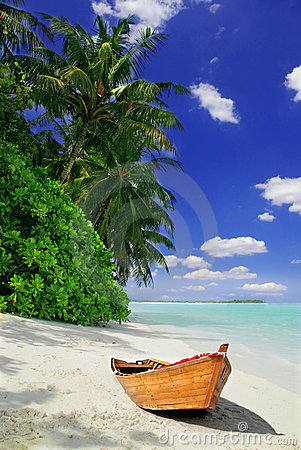 Free Tropical Beach And Ship Stock Photography - 6820342