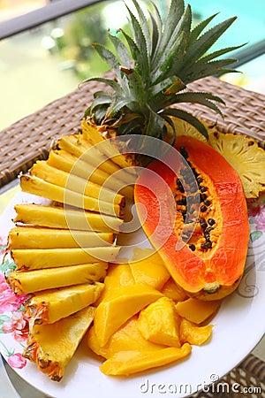 Free Tropical Fruit Pineapple, Mango, Corambola, Papaya Royalty Free Stock Photos - 80912568