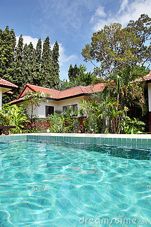 Free Tropical House With A Pool Royalty Free Stock Image - 16745466