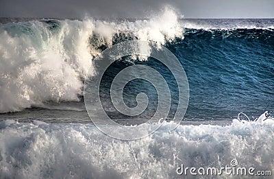 Tropical huge wave