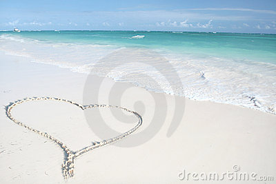 Tropical Ocean, Heart on Beach