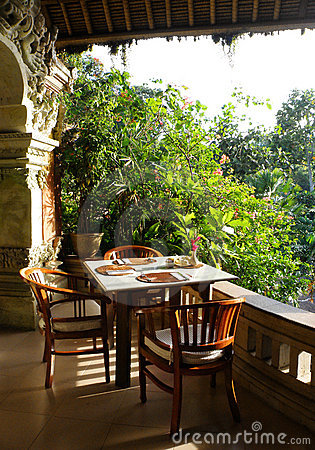 Tropical outdoor dining patio