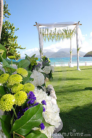 Tropical Wedding sea/beach with bouquet