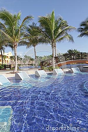 Tropikalny basenu kurort
