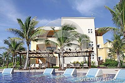 Tropisches Pool