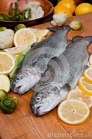 Free Trout In Lemons Royalty Free Stock Photography - 30263437