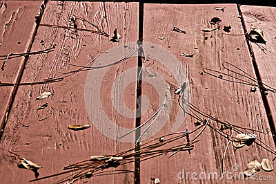 Träpicknicktabell med sidor