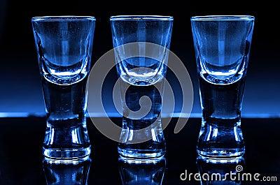 Três vidros de tiro