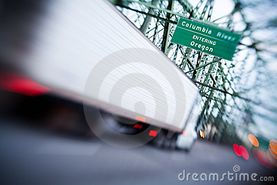 Truck entering Oregon on Interstate