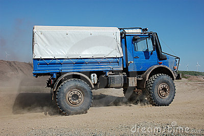 Truck Offroad Race