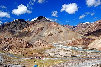 Trucks in Ladakh