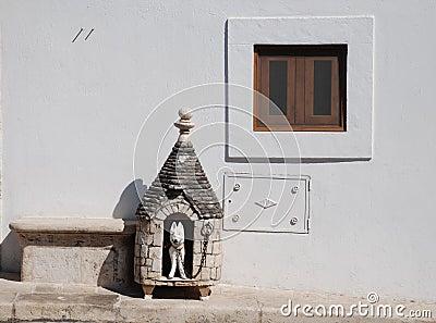 Trullo Dog Hut