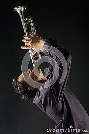 Trumpet человека