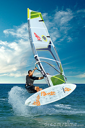 Truque windsurfing extremo Fotografia Editorial