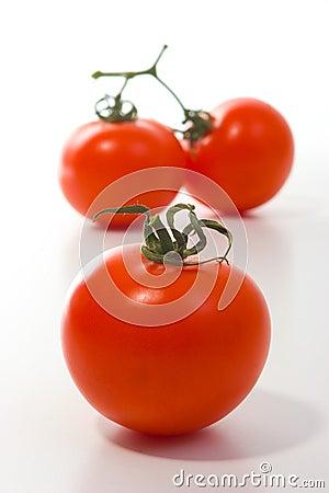Trzy dużego pomidoru