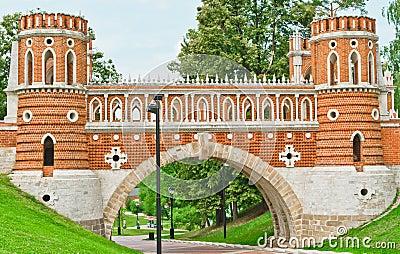 Tsaritsino palace. Bridge.