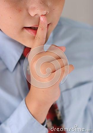 Tshhh whisper