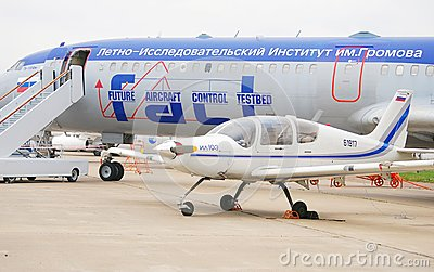 Tu-154M and Il 103 at MAKS-2013 Editorial Stock Image