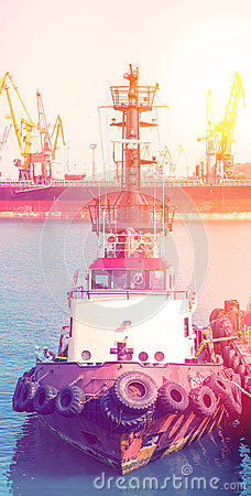 Free Tugboat Workers In The Seaport. Two Men In The Workplace. Royalty Free Stock Photos - 98013768