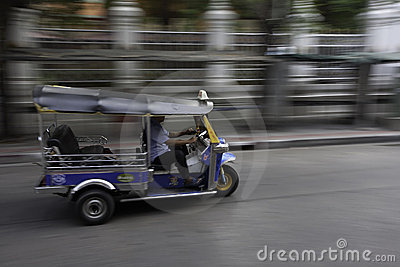 Tuk tuk or taxi in Bangkok