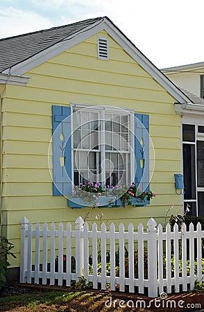 Free Tulip Cottage Window Royalty Free Stock Photos - 11934568
