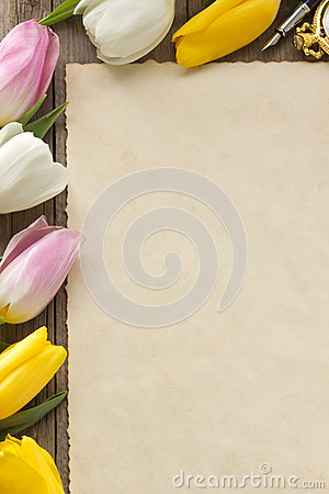 Free Tulip Flowers On Wood Royalty Free Stock Images - 31924079