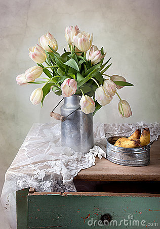 Free Tulips And Pears Royalty Free Stock Image - 22963476