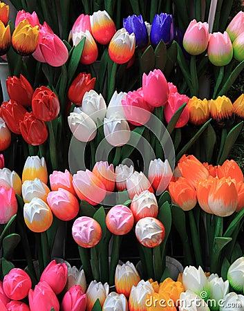 Tulips de madeira