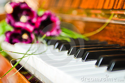 Tulips on the piano