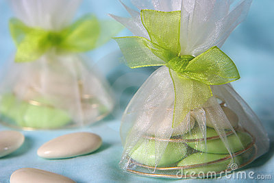Tulle bags wih wedding dragees
