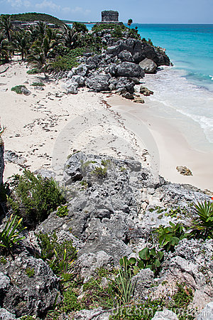 Free Tulum Ruins Temple And Beach Yucatan Mexico Royalty Free Stock Images - 26143179