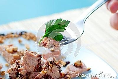 Tuna and Almonds with Vinegar Glaze