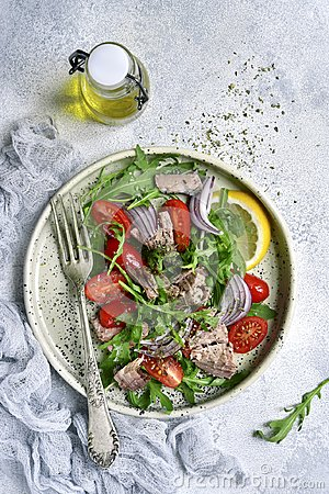Free Tuna Salad With Cherry Tomatoes,arugula Leaves And Red Onion On Royalty Free Stock Photography - 112151057