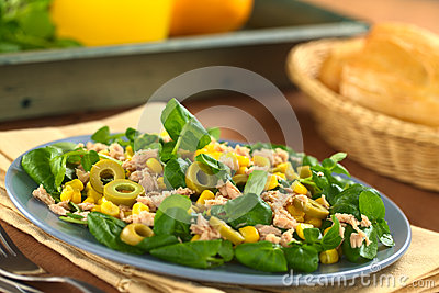 Tuna, Sweetcorn and Olive Salad