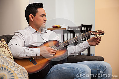 Tuning a guitar at home