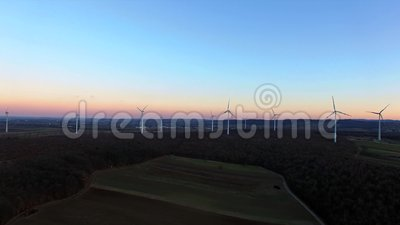 Turbine di vento, campo giallo archivi video