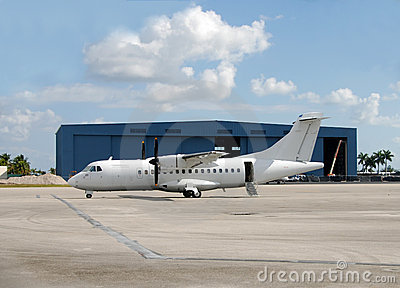 Turboprop airplane for regional travel