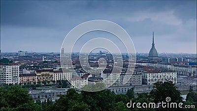 Turin full HD Time-schackningsperiod av soluppgång över staden stock video