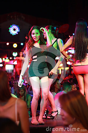 Turismo del sexo en Patong, Tailandia Imagen editorial
