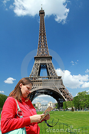 A turist near Tour Eiffel