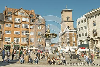 Turister i Köpenhamn. Redaktionell Arkivfoto