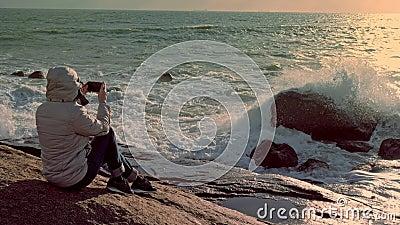 Turistfotografi av den rika atlantiska havskusten på smartphone lager videofilmer