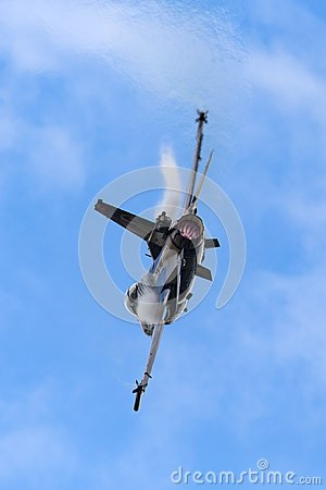 Free Turkish Air Force Turk Hava Kuvvetleri General Dynamics F-16CG Fighting Falcon 91-0011 Of The Solo Turk Display Team. Stock Photography - 121457182