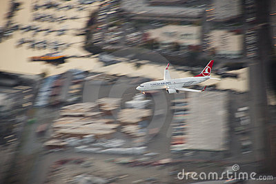 Turkish Airlines 737 on Approach Editorial Stock Photo