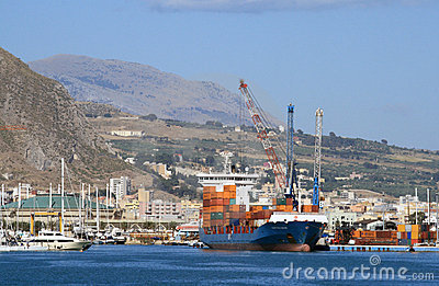Turkish container ship - Alkin Kalkavan Editorial Stock Image