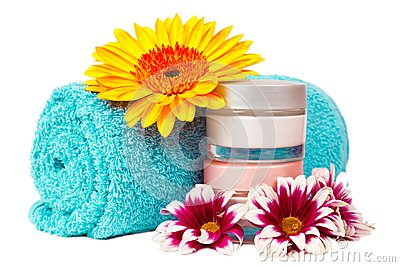 Turquoise towel cream gerbera